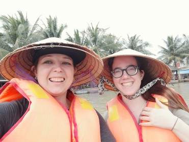 Vietnam - Bucket boat tour